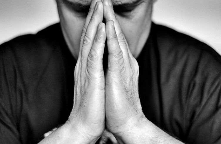 молитва выиграть суд