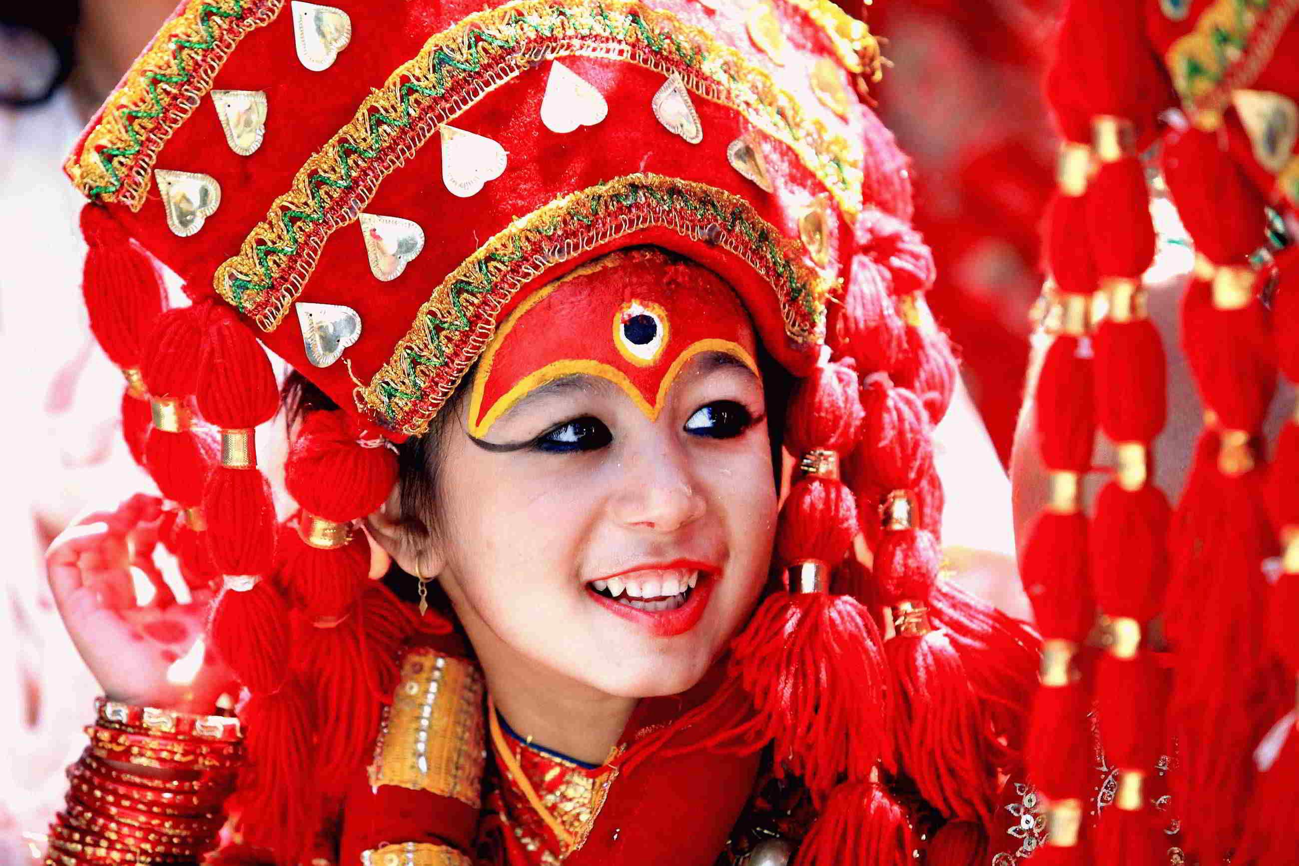 काठमाण्डौको हन्ुमान ढोकामा १०८ क्ुमारीक प्ुजामा क्ुमारीको पहिरणमा मन्द म्ुस्कान  सहभागि क्ुमारी यसरी हरेक वर्षक्ुमारी प्ुजा गरीन्छ