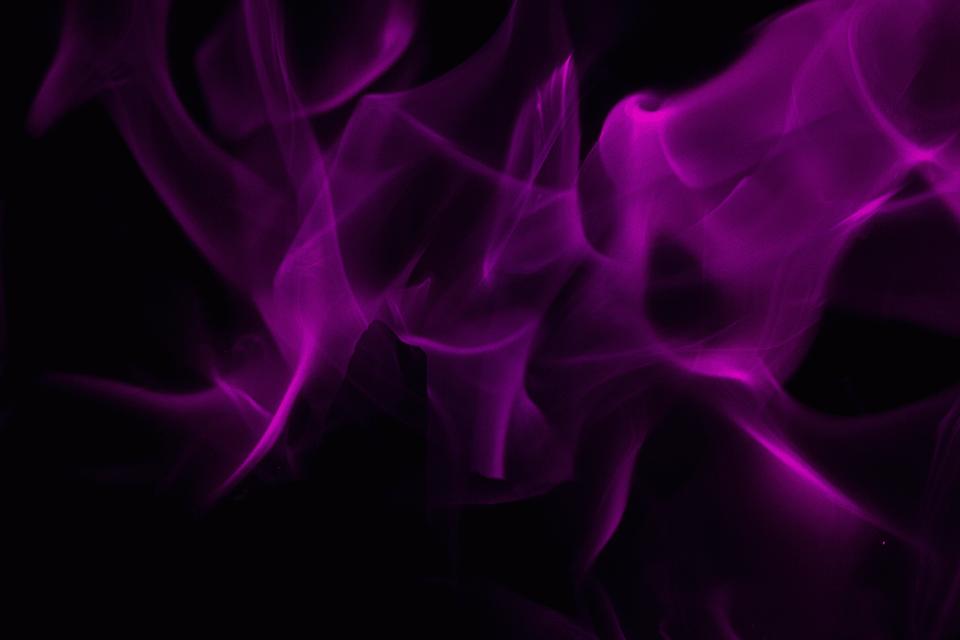 Мантра фиолетового пламени — ее значение и как ее правильно делать?