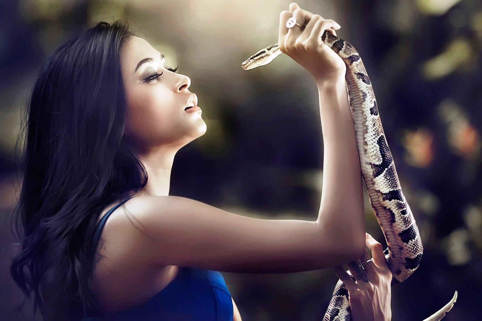 Тантрический обряд поцелуя змея — как его делать?