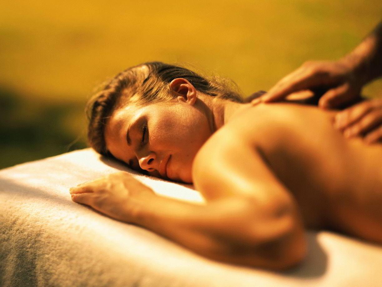 Тантрический расслабляющий массаж: инструкция, как делается, техники