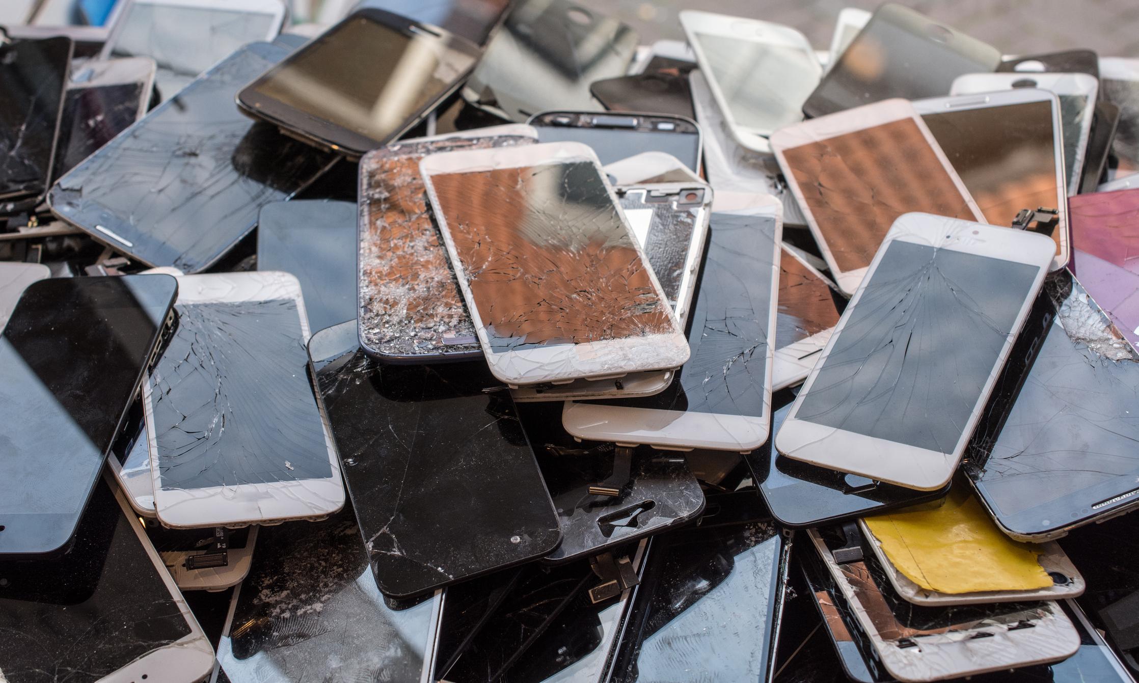 К чему снится телефон и то, что он разбивается