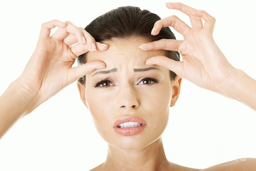 Физиогномика: что означают морщины на переносице