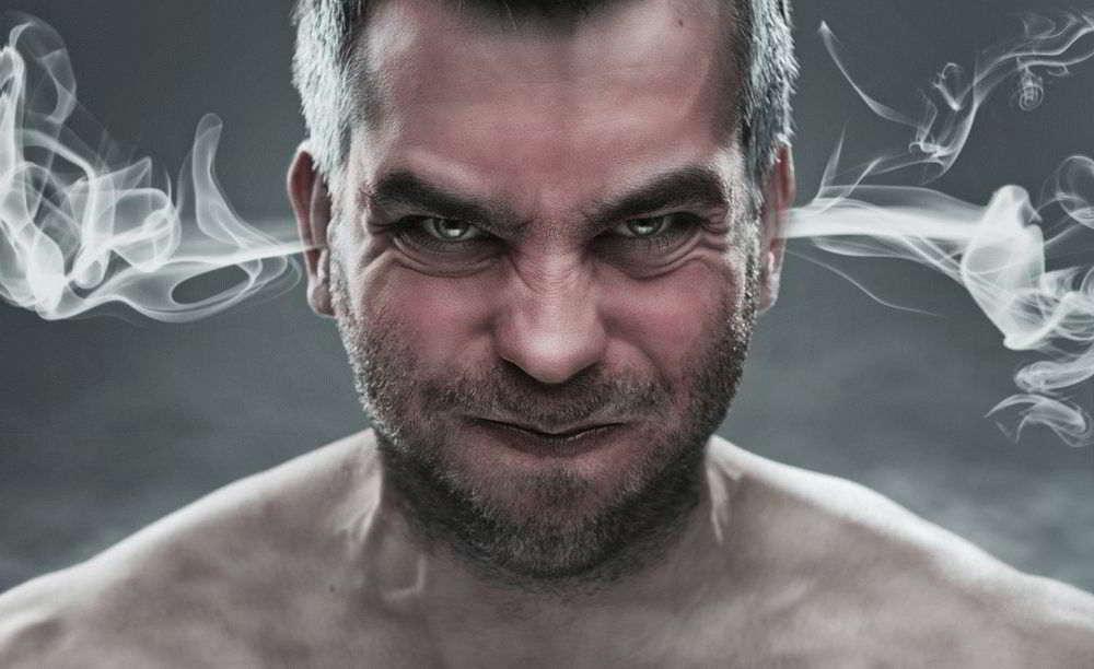 Негативная энергетика человека – признаки