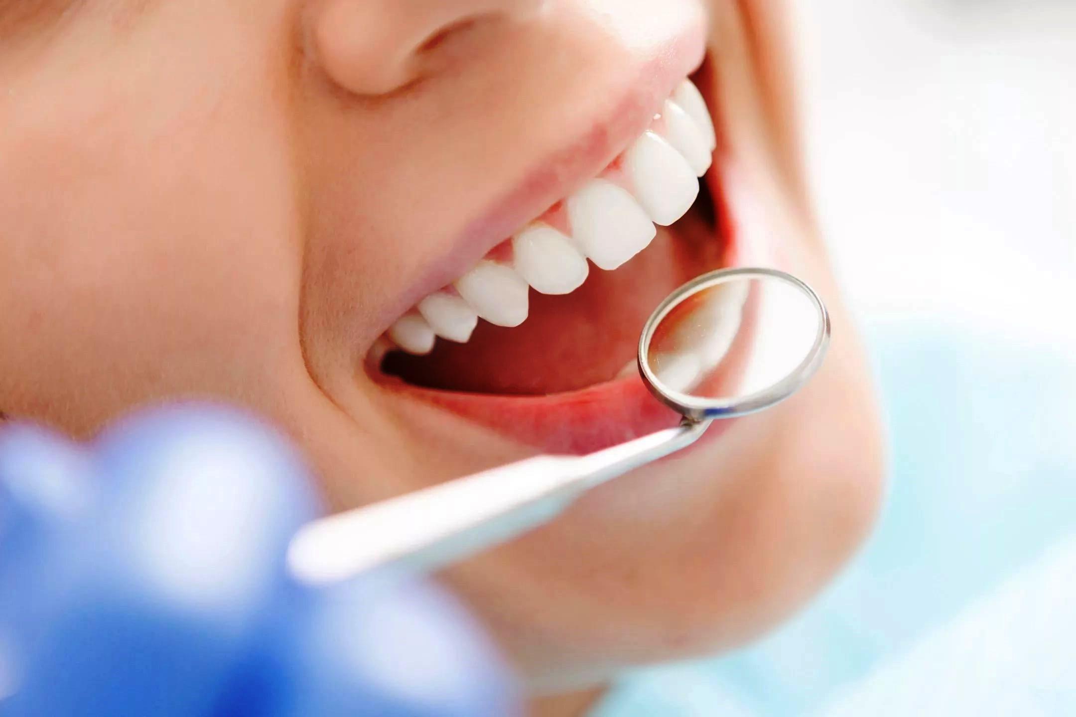 Лечим зубы, согласно лунному календарю в 2020 году