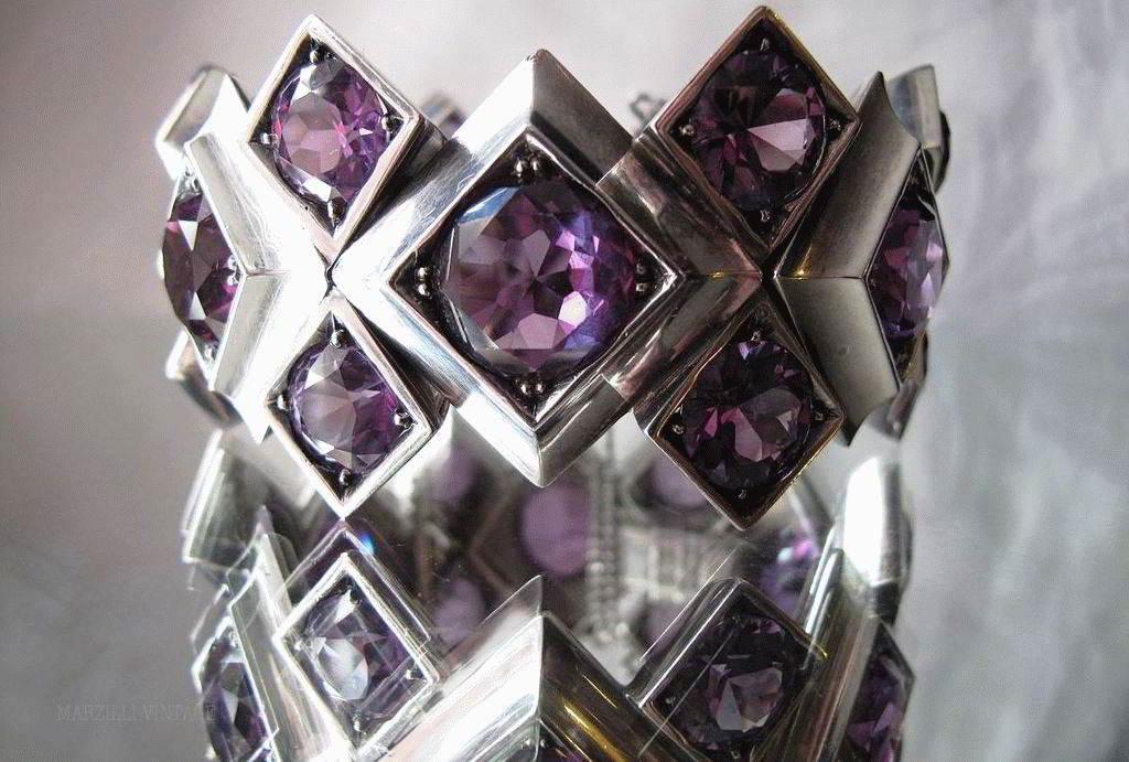 Какой камень называется вдовий камень и почему?