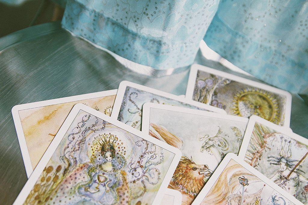 Карта Таро Королева Жезлов — значение, толкование и расклады в гадании