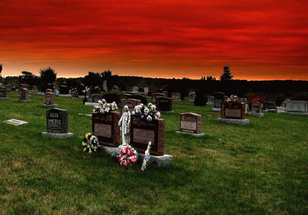 Увидеть свои похороны во сне, что это значит?