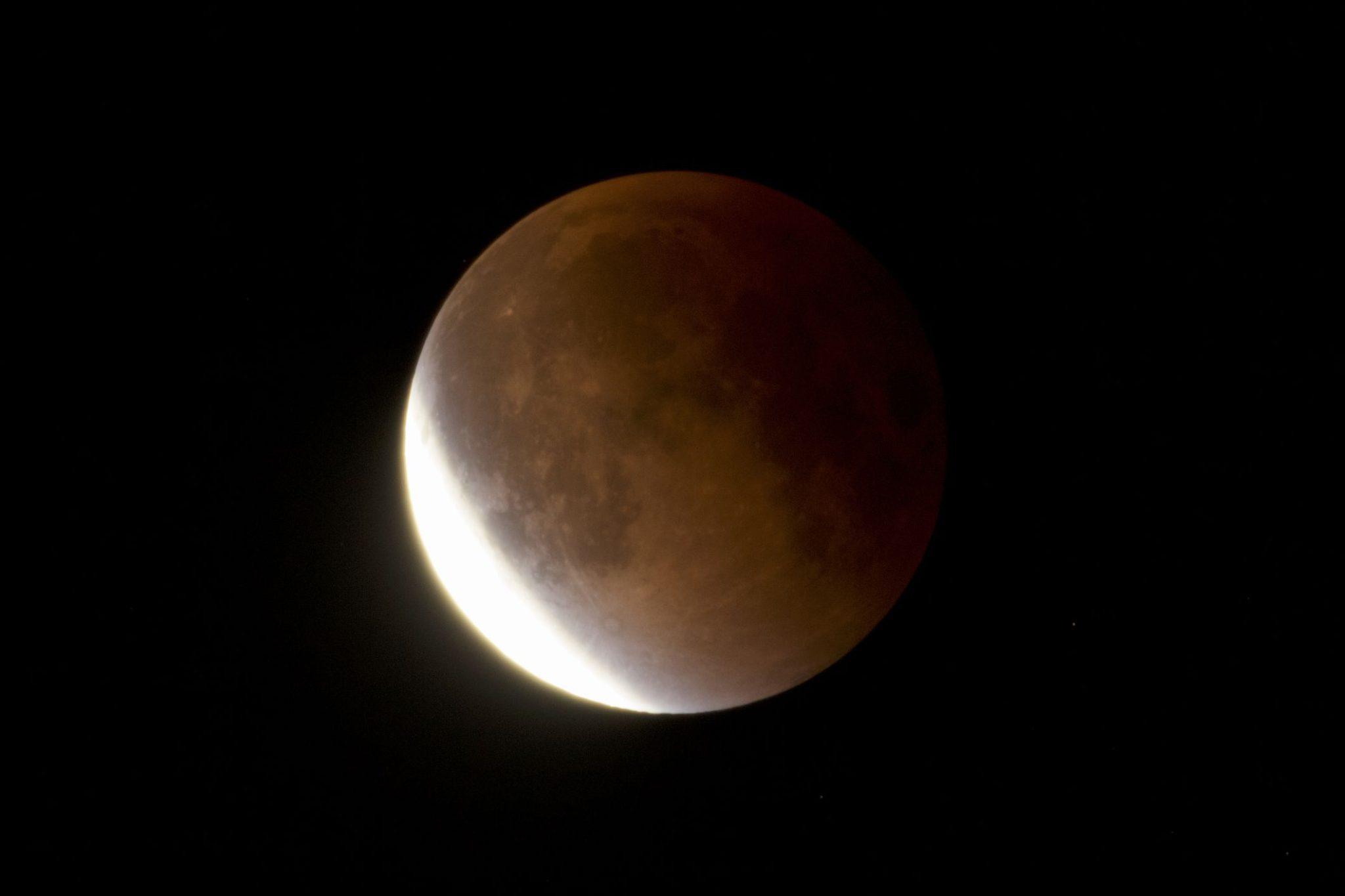 Заговоры, обряды и ритуалы на убывающую луну