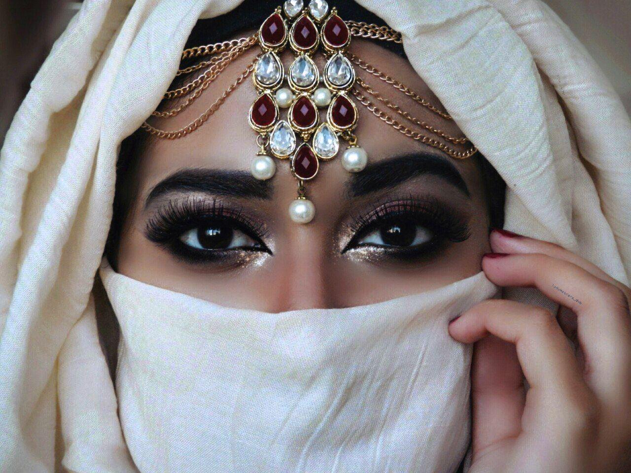 Значение имени Азалия — как влияет на ее судьбу и характер