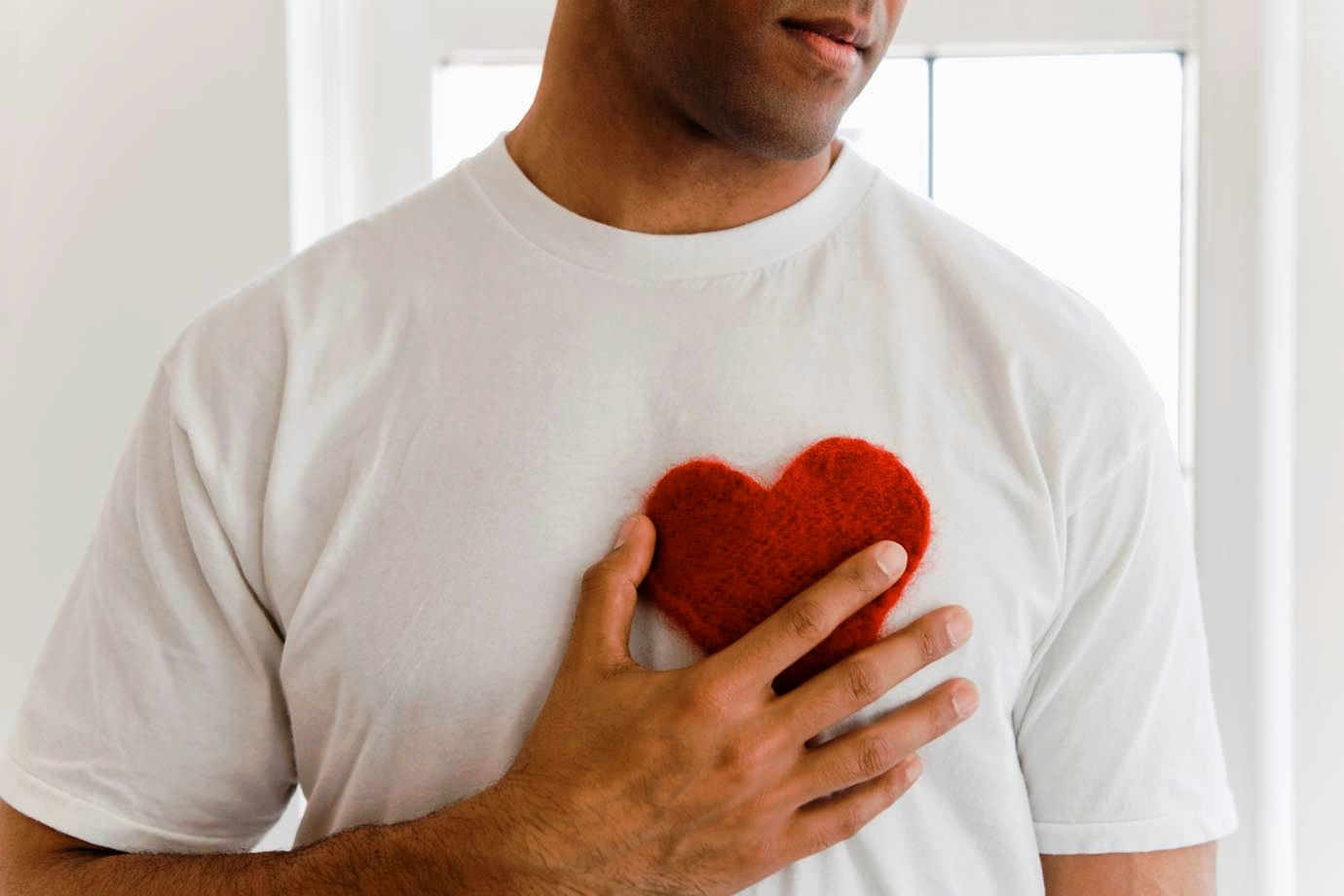 Как сделать так, чтобы мужчина бегал за тобой: способы и рекомендации